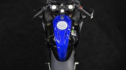 2019-Yamaha-YZF-R125SV-EU-Midnight_Black-Detail-008-03