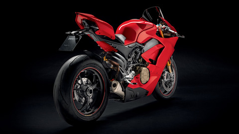 Panigale-1409-MY18-Red-01-Slider-Gallery-1920x1080