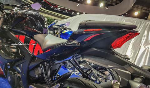 Suzuki-GSX-R150-warna-baru-2018-27
