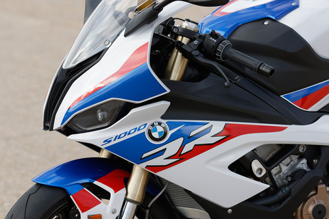 P90327381_highRes_bmw-s-1000-rr-11-201