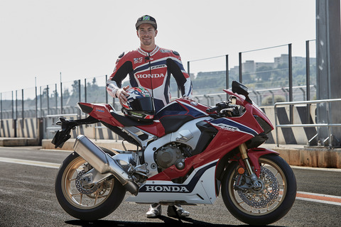 80979_Nicky_Hayden_testing_the_17_YM_CBR1000RR_FIREBLADE_SP