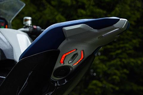 P90305671_highRes_bmw-motorrad-concept