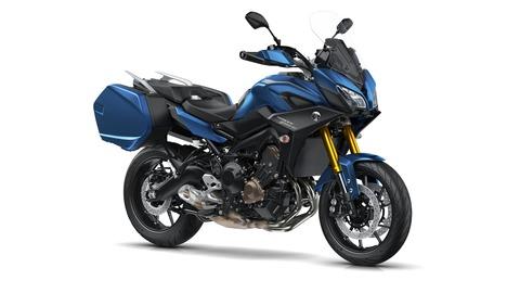 2018-Yamaha-MT09TRGT-EU-Phantom-Blue-Studio-001