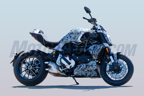 072718-spy-photos-2019-Ducati-Diavel-101