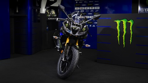 2019-Yamaha-YZF-R125SV-EU-Midnight_Black-Static-010-03