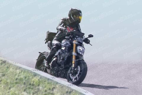 Ducati-Diavel-002-WEB