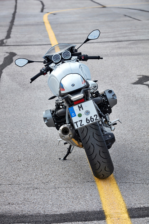 P90232649_highRes_the-new-bmw-r-ninet-