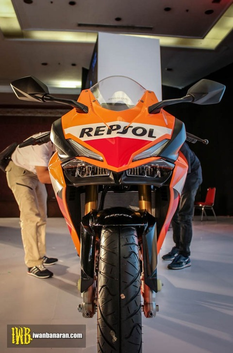 Honda-new-CBR250RR-Motogp-Repsol-edition-34