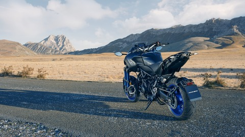 2018-Yamaha-MXT850-EU-Graphite-Static-010