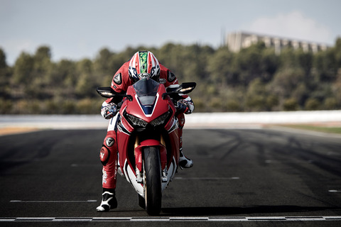 80974_Nicky_Hayden_testing_the_17_YM_CBR1000RR_FIREBLADE_SP
