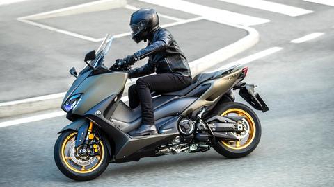 2020-Yamaha-XP500ADX-EU-Tech_Kamo-Action-003-03