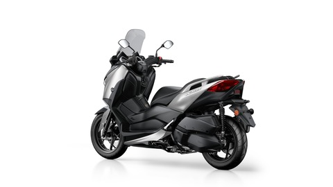 2018-Yamaha-X-MAX-300A-EU-Blazing-Grey-Studio-005