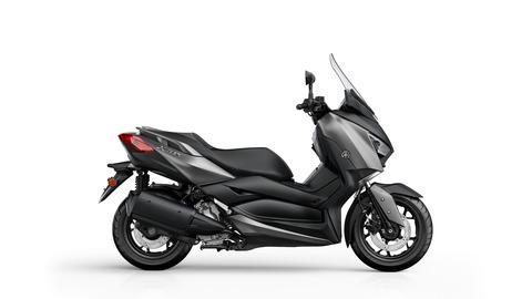 2017-Yamaha-X-MAX-300A-EU-Matt-Grey-Studio-002