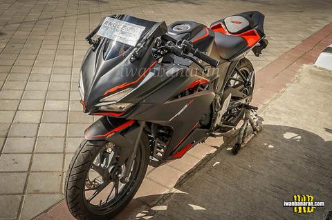 honda-cb150r-modif-cbr250rr-1