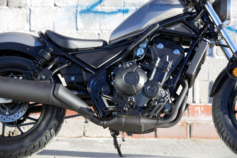 17_Honda_Rebel_engine_R_2