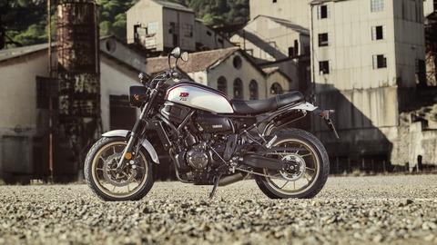 2019-Yamaha-XS700SCR-EU-Tech_Black-Static-002-03