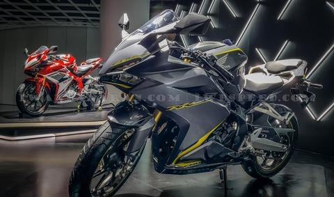 Honda-all-new-CBR250RR-2017-19