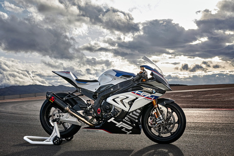 P90254419_highRes_bmw-hp4-race-04-2017