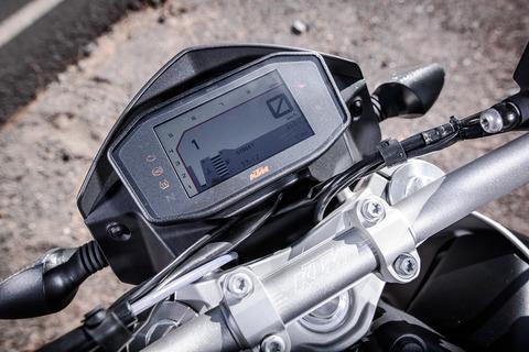 KTM-690-DUKE-TFT-display