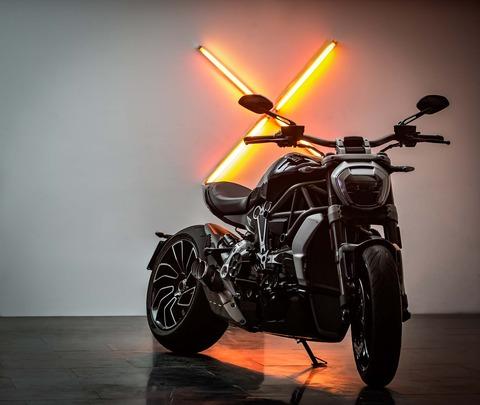 Ducati-XDiavel-S-San-Diego-studio-action-11