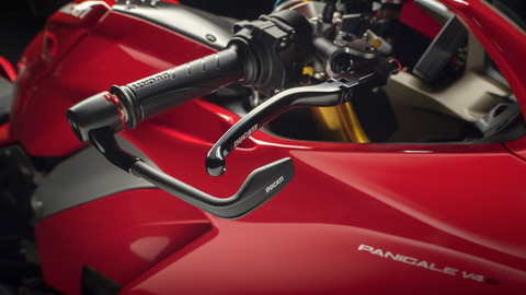 Panigale-1409-MY18-Red-13-Slider-Gallery-1920x1080
