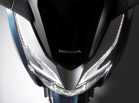 127275_Honda-Forza-300