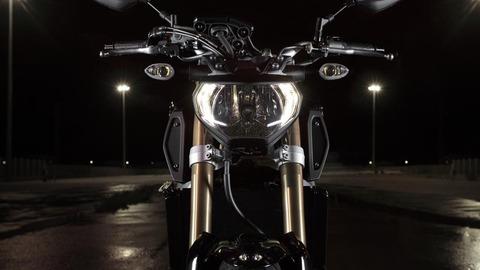 2015-Yamaha-MT-09-EU-Deep-Armor-Detail-011