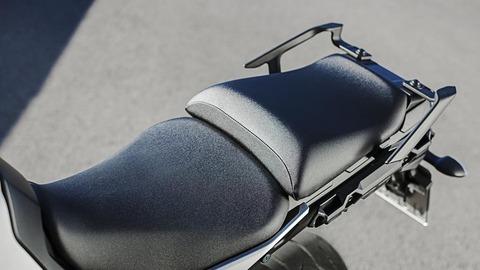 2016-Yamaha-MT-09-Tracer-EU-Race-Blu-Detail-013