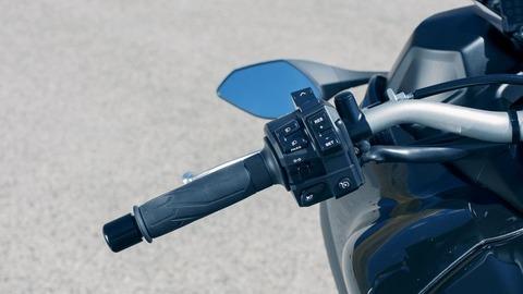 2018-Yamaha-MXT850-EU-Graphite-Detail-023
