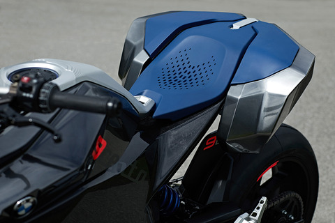 P90305670_highRes_bmw-motorrad-concept