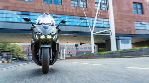 2020-Yamaha-XP500ADX-EU-Tech_Kamo-Action-008-03