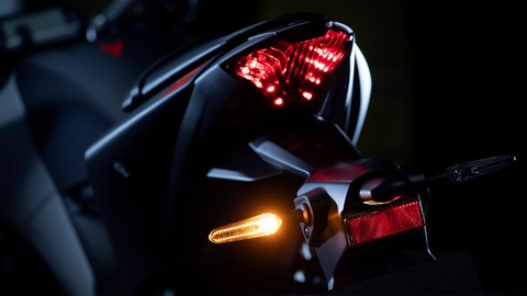 2020-Yamaha-MT320-EU-Detail-006-03