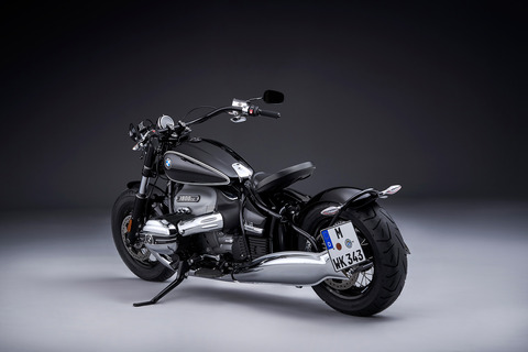 P90386373_highRes_the-bmw-r-18-04-2020