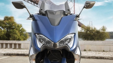 2017-Yamaha-TMAX-DX-EU-Phantom-Blue-Detail-001