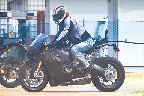 ducati-v4-superbike-008_1