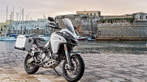 Multistrada-1200Enduro-MY18-Grey-30-Slider-Gallery-1920x1080