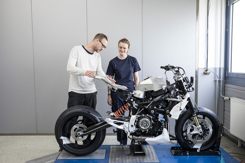 P90305675_highRes_bmw-motorrad-concept