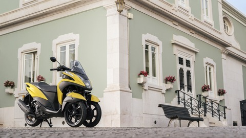 2017-Yamaha-Tricity-EU-Sunny-Yellow-Static-001