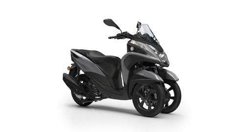 2017-Yamaha-Tricity-EU-Matt-Grey-Studio-001