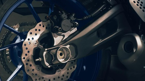 2016-Yamaha-MT-07-EU-Race-Blu-Detail-007
