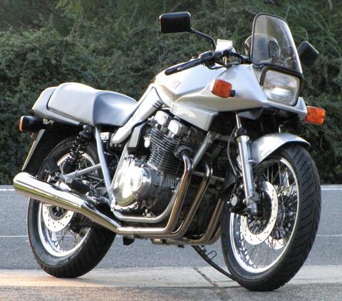 Suzukikatana1100-2010
