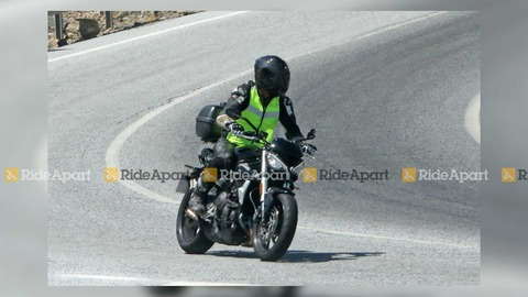 triumph-street-triple-spy-shots (1)
