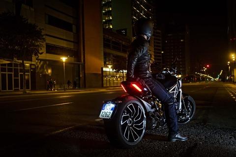 Ducati-XDiavel-S-San-Diego-studio-action-03