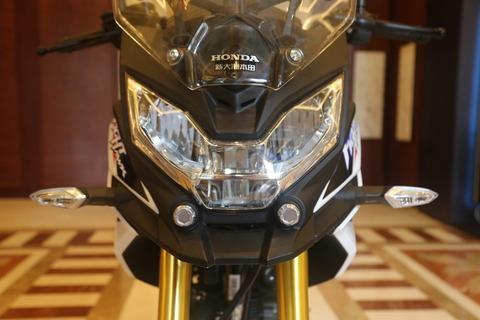2017-Honda-CB190X-10