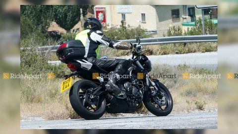 triumph-street-triple-spy-shots (2)