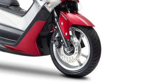 2016-Yamaha-G125YM-EU-Power-Red-Detail-005