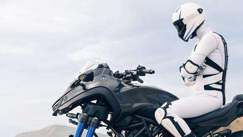 2018-Yamaha-MXT850-EU-Graphite-Static-002