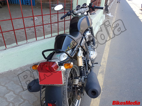 royal-enfield-continental-gt-750-spied-tail-light