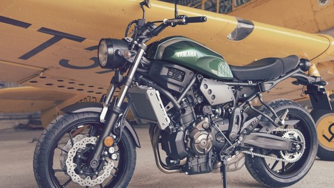 2016-Yamaha-XSR700-EU-Forest-Green-Static-009