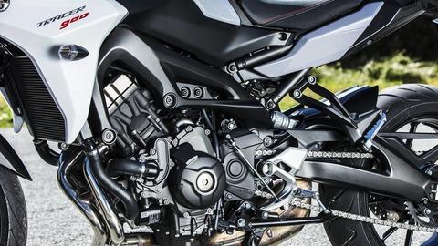 2018-Yamaha-Tracer-900-EU-Nimbus-Grey-Detail-013